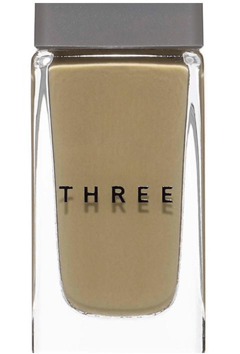 three『ネイルポリッシュ』『88 DARE 2B ALIVE』