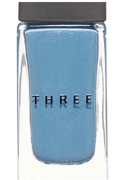 three『ネイルポリッシュ』『105 HOT SPRING HUE』