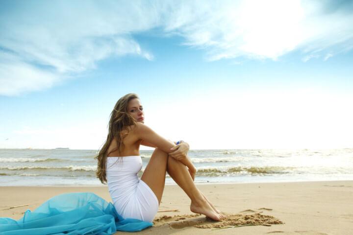海岸にいる美女
