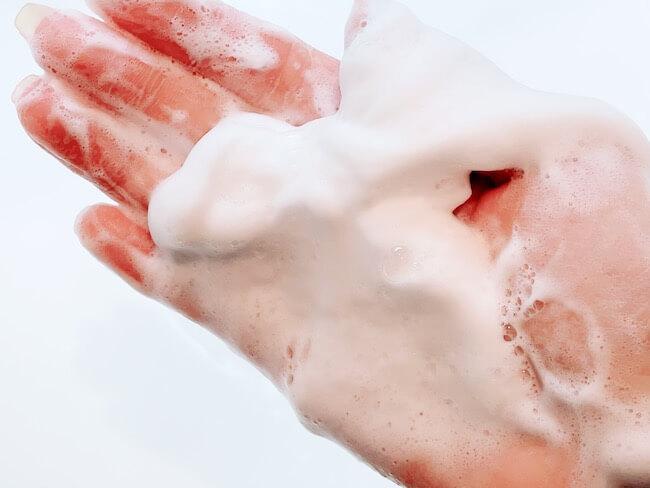 『ニベア クリームケア洗顔料 とてもしっとり』テクスチャー
