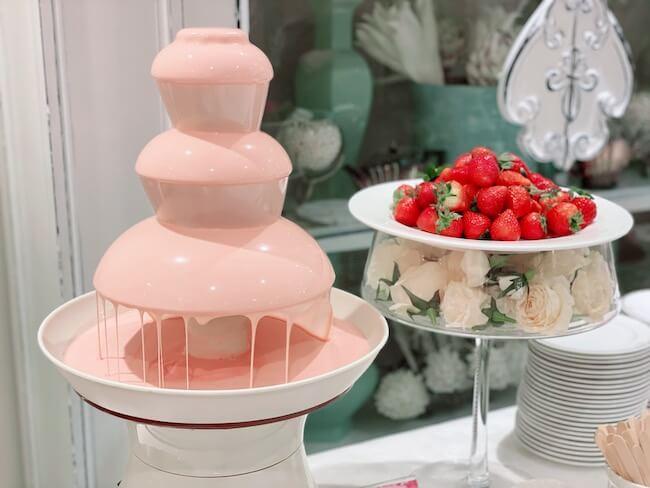 『ストロベリーホリック~Barbie in Paris~』ストロベリーフレーバー ルビーチョコレートファウンテン