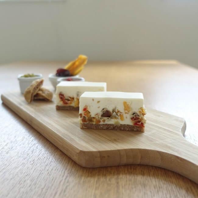 コガネイチーズケーキ『ドライフルーツのレアチーズ』