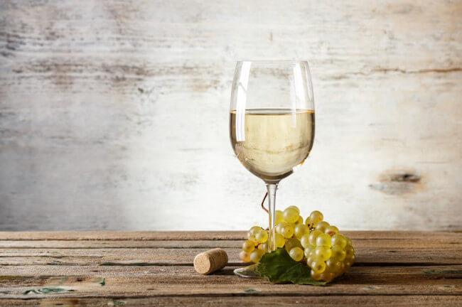 白ワインとブドウ