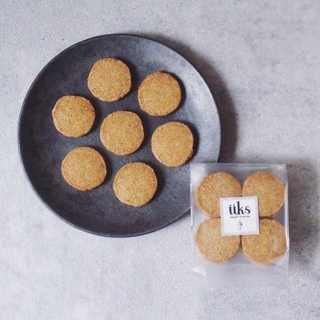 üks(ユクス)『全粒粉スペルト小麦のクッキー』