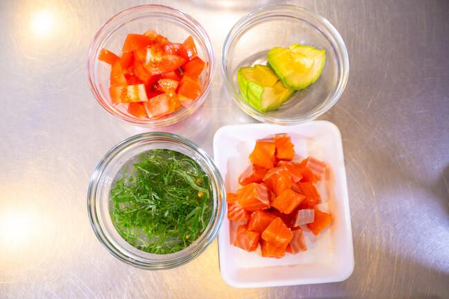 『サーモンとトマトのさっぱりレモンだれ素麺』作り方1