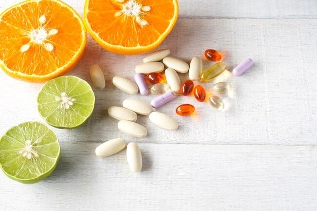 サプリメント・オレンジ・キウイ・ビタミン